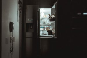 How to Deep Clean Your Refrigerator: A Quick Guide